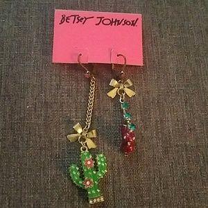 Betsey Johnson Desert mismatched earrings